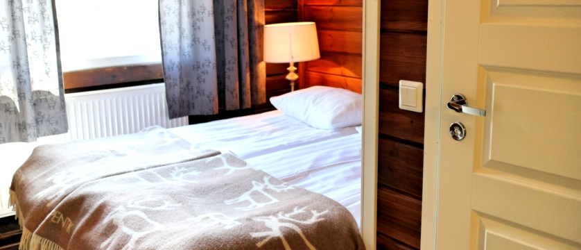 Finland_Saariselka_Muotka-Wilderness-Lodge_double-room.jpg
